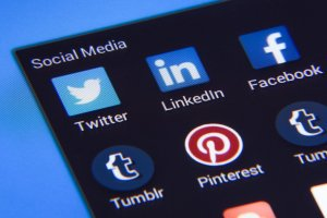 9 tips to upscale your business social media ads